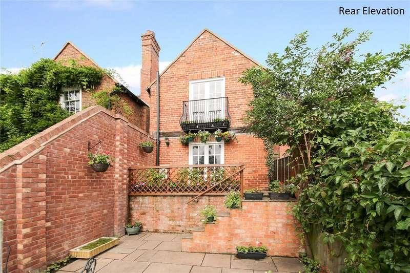 2 Bedrooms Town House for sale in Lower Street, Cleobury Mortimer, Kidderminster, Shropshire