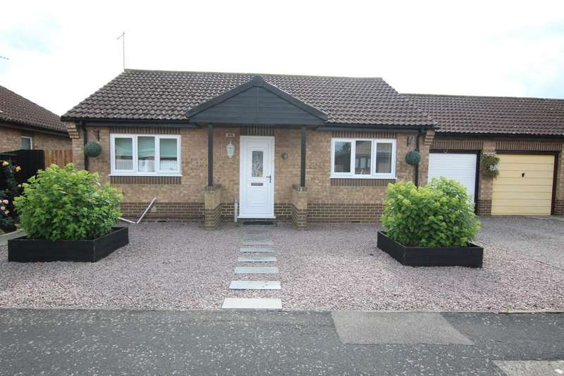 2 Bedrooms Detached Bungalow for sale in School Close Wisbech St Mary