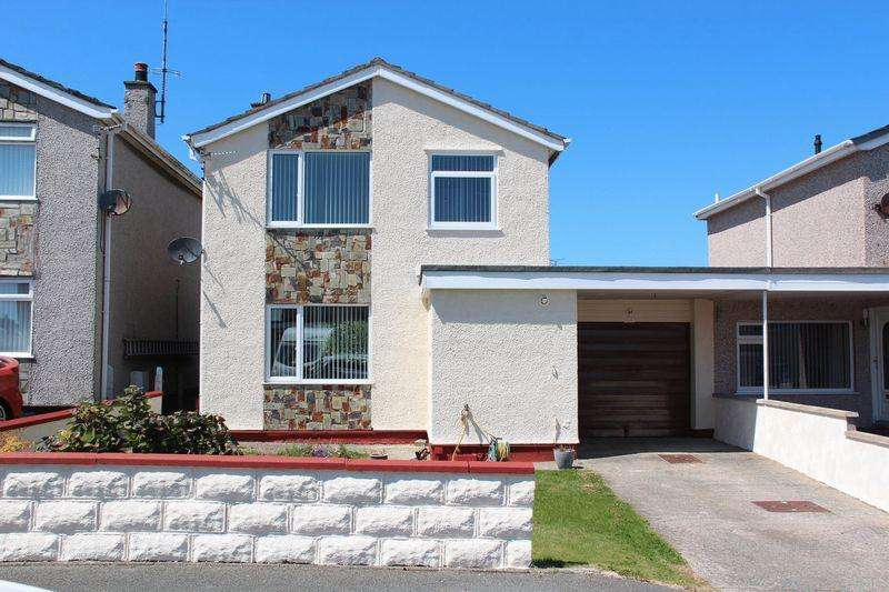 3 Bedrooms Detached House for sale in Cae Braenar, Holyhead