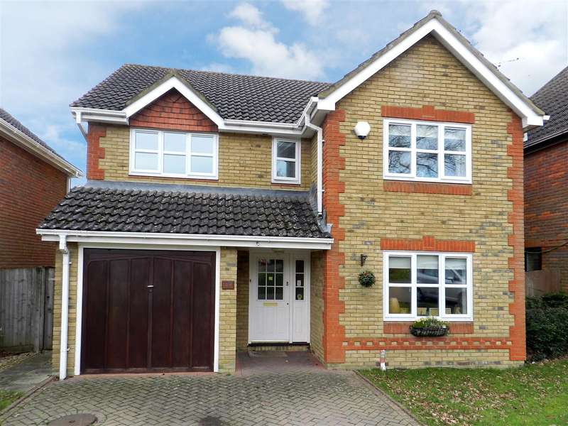 4 Bedrooms Detached House for rent in Twycross Road, Wokingham