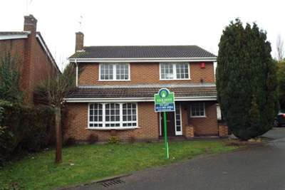 4 Bedrooms House for rent in Charlbury Court, Bramcote, NG9 3NA