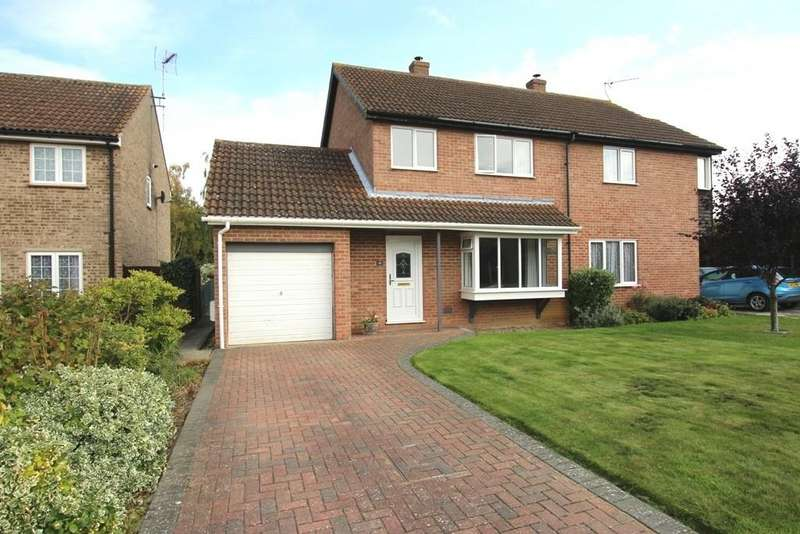 3 Bedrooms Semi Detached House for sale in Laurel Close, Mepal