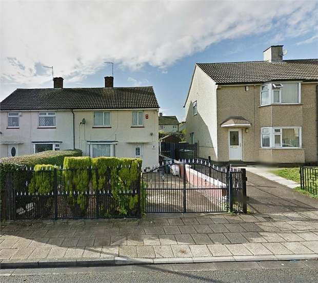 3 Bedrooms Semi Detached House for sale in Hartland Road, Bradford, West Yorkshire