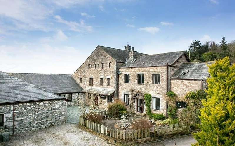 4 Bedrooms Barn Conversion Character Property for sale in 2 High Fell Gate Barn, Cartmel Road, Grange-Over-Sands, LA11 7QA