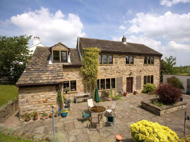 4 Bedrooms Detached House for sale in Falhouse Green Farm, Falhouse Lane, Whitley, Dewsbury