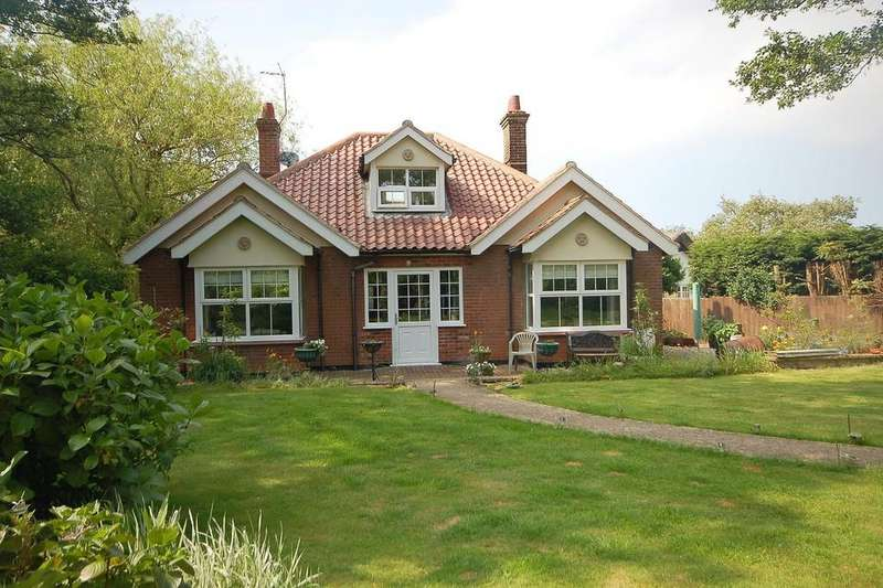 3 Bedrooms Chalet House for sale in The Hurn, West Runton