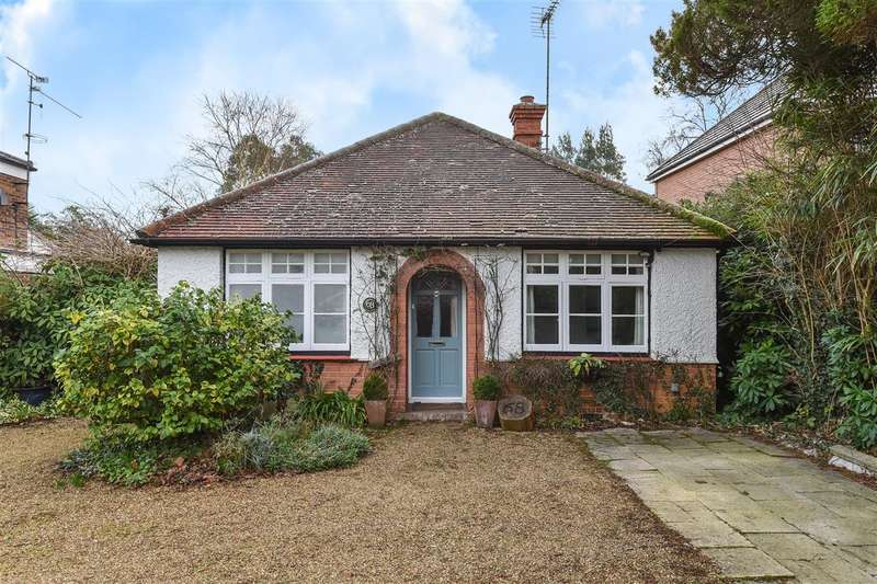 3 Bedrooms Detached Bungalow for sale in New Wokingham Road, Crowthorne