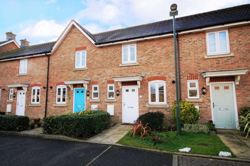 2 Bedrooms House for sale in Saddlers Close, Billingshurst, RH14