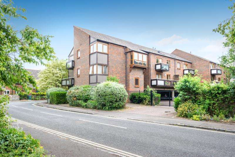 2 Bedrooms Apartment Flat for sale in Rivercourt, 1 Trinity Street, Oxford, Oxfordshire