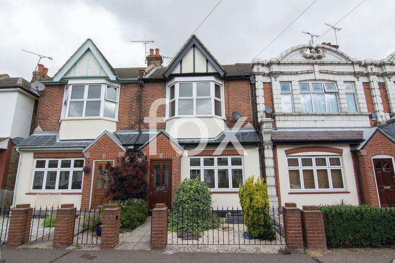 4 Bedrooms Unique Property for sale in Glendale Gardens, Leigh-On-Sea