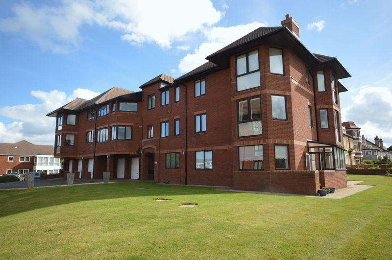 2 Bedrooms Apartment Flat for sale in Kings Court, Wirral