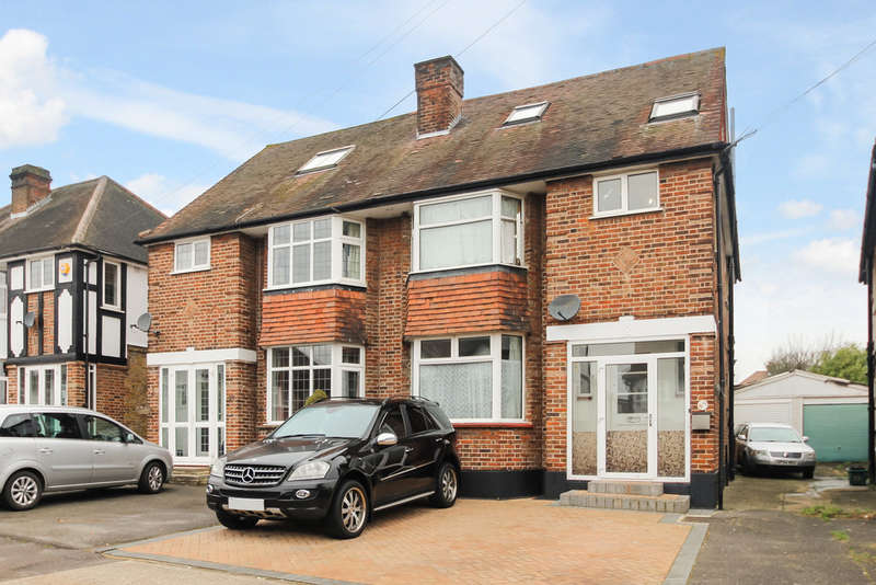 4 Bedrooms Semi Detached House for sale in Pembroke Avenue