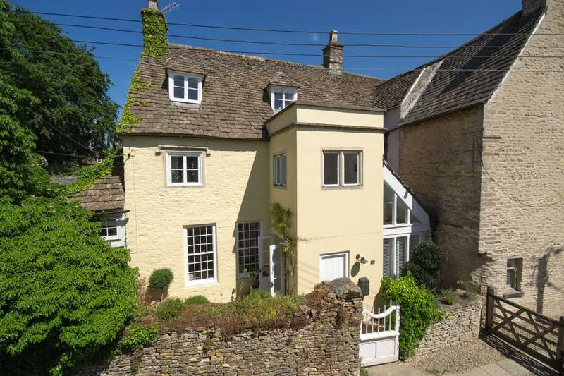3 Bedrooms Semi Detached House for sale in Court Street, Sherston
