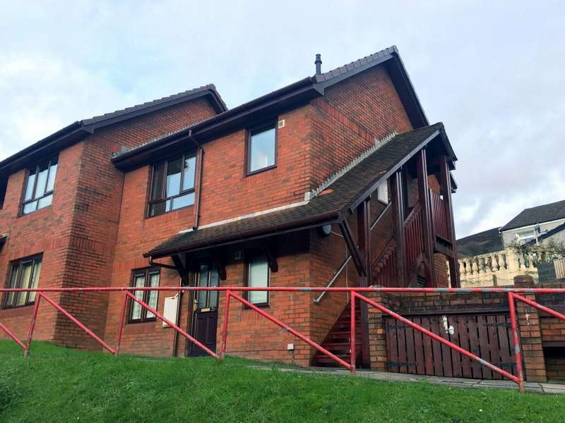 1 Bedroom Flat for rent in Gwern Las, Victor Road, Abertillery, Gwent