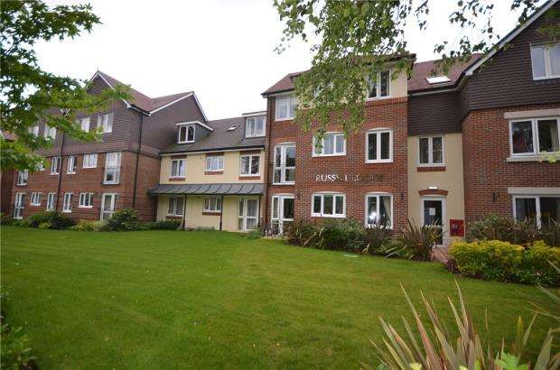 1 Bedroom Retirement Property for sale in Russell Lodge, Branksomewood Road, Fleet