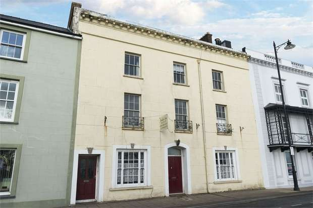 11 Bedrooms Terraced House for sale in Hamilton Terrace, Milford Haven, Pembrokeshire