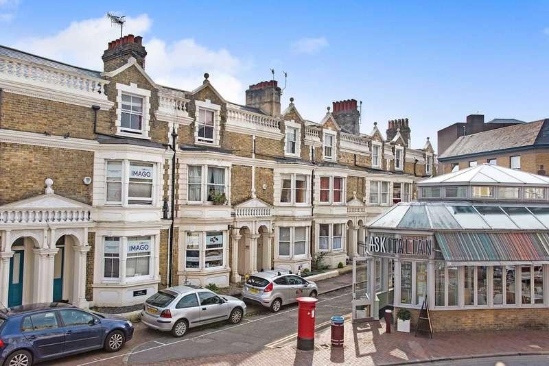 3 Bedrooms Apartment Flat for sale in Monson Road, Tunbridge Wells