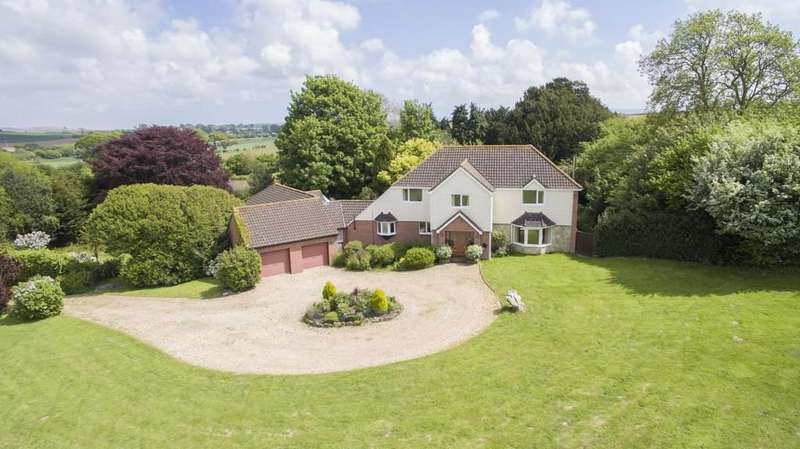4 Bedrooms Farm House Character Property for sale in Blackwater, Newport, Isle of Wight