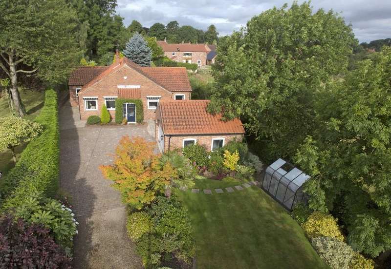 3 Bedrooms Detached Bungalow for sale in Whixley, York