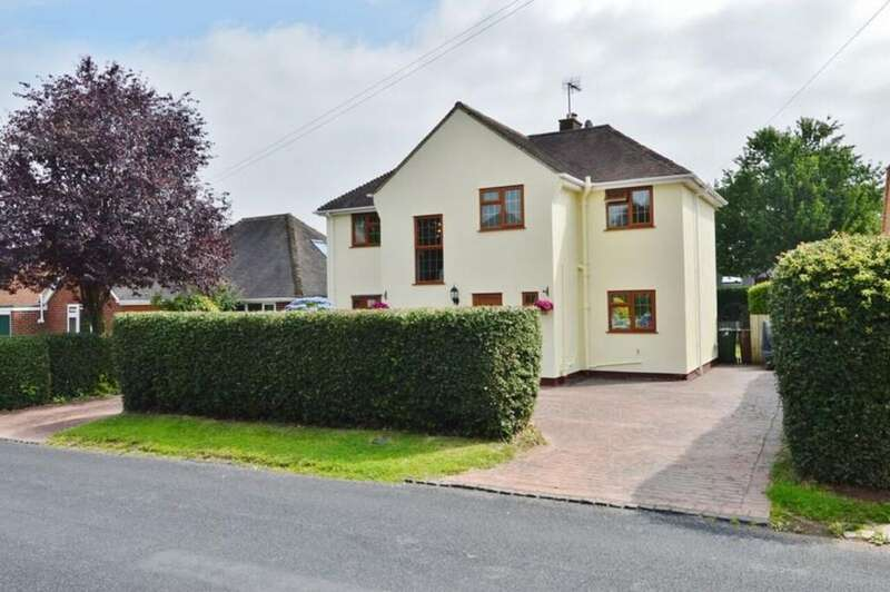 4 Bedrooms Detached House for sale in West Butts Road, Etchinghill