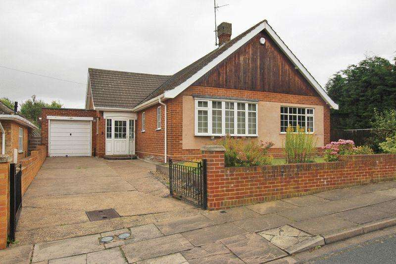3 Bedrooms Detached Bungalow for sale in THIRKLEBY CRESCENT, GRIMSBY