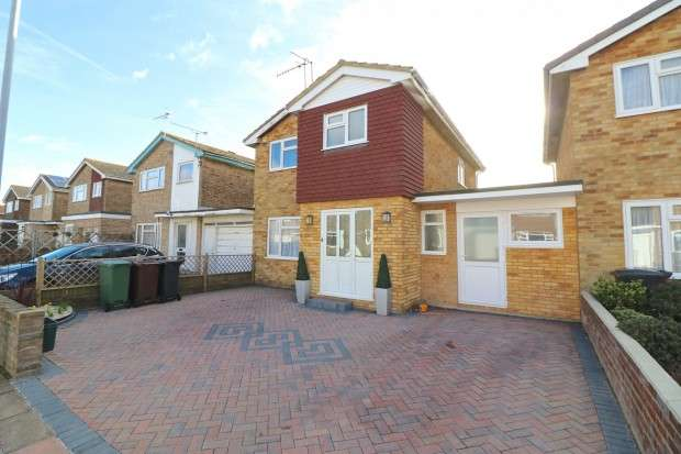 4 Bedrooms Detached House for sale in Raleigh Close, Eastbourne, BN23