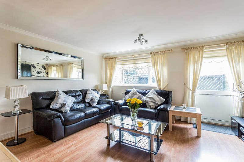 3 Bedrooms Flat for sale in Lovelinch Close, London, SE15