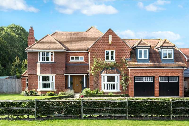 5 Bedrooms Detached House for sale in The Cobbs, Hartley Wintney, Hook, RG27