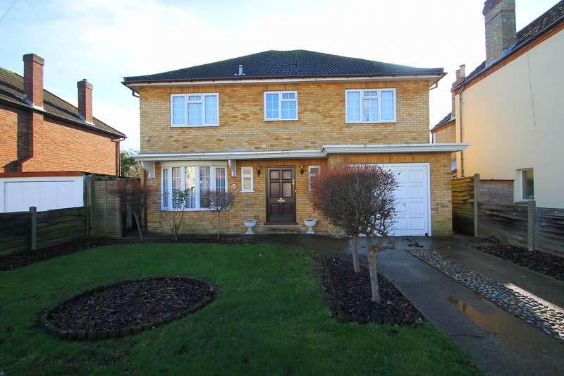 4 Bedrooms Detached House for sale in Wolsey Road, Ashford, TW15