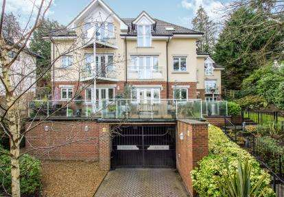 2 Bedrooms Flat for sale in 70 Surrey Road, Bournemouth, Dorset