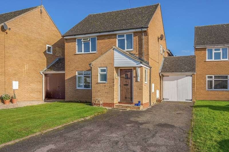 4 Bedrooms Detached House for sale in Orchard Grove, Bloxham, Banbury