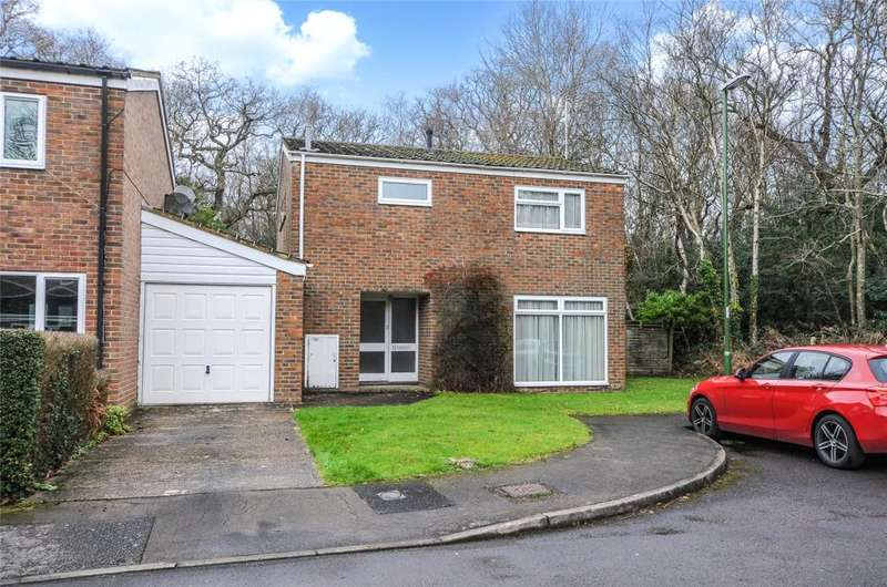 3 Bedrooms Detached House for sale in Oakend, Arundel, West Sussex, BN18