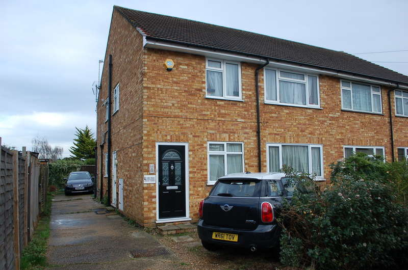 2 Bedrooms Maisonette Flat for sale in HANWORTH