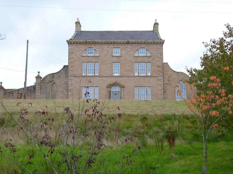 5 Bedrooms Detached House for rent in Pasture House ,Pasture Lane, Barrowford, BB9 6QX
