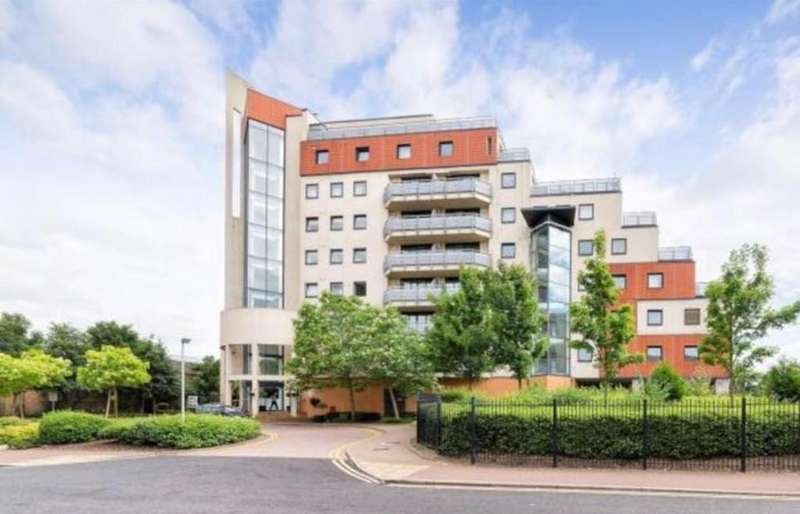 2 Bedrooms Apartment Flat for sale in Tradewinds Apartment ,Wards Wharf Approach