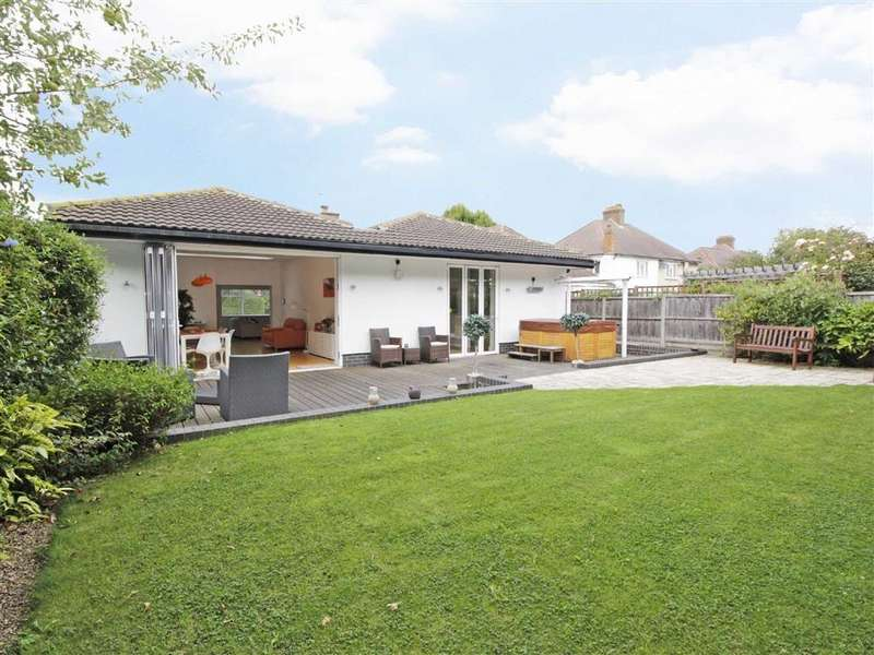 3 Bedrooms Detached Bungalow for sale in Kechill Gardens, Hayes, Kent