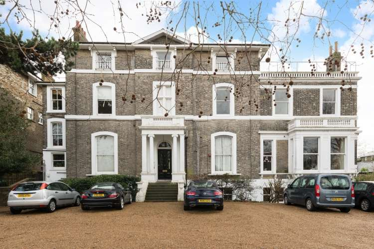 1 Bedroom Flat for sale in St. Johns Park London SE3