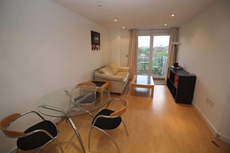 2 Bedrooms Apartment Flat for sale in Sovereign Point, 31 The Quays, Salford Quays, Salford, M50
