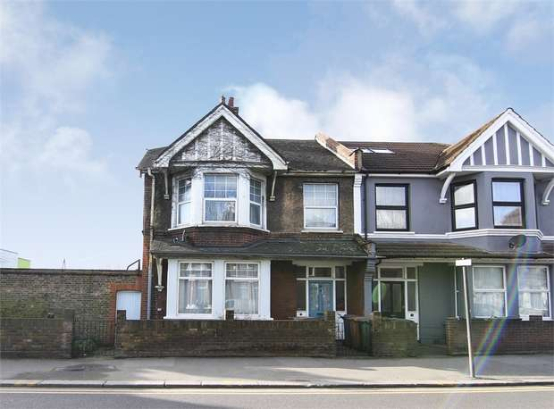 2 Bedrooms Flat for sale in Church Road, Leyton, London