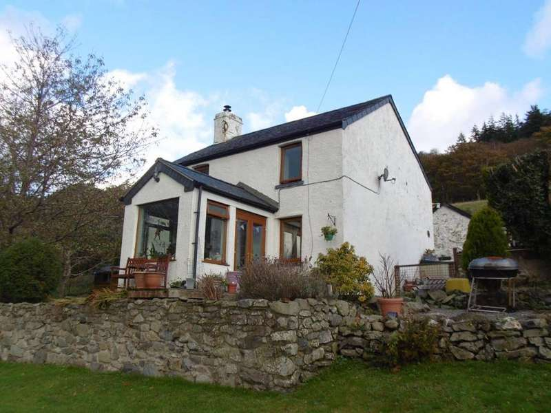 3 Bedrooms Detached House for sale in Groesffordd Las, Maenen, LL26 0YR