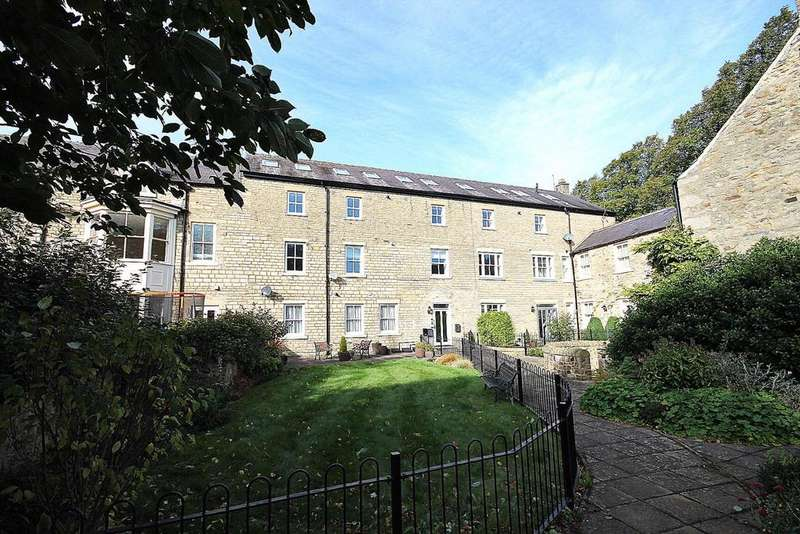 2 Bedrooms Flat for sale in Convent Gardens, Wolsingham, Bishop Auckland
