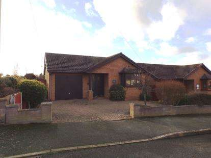 3 Bedrooms Bungalow for sale in Alexandra Drive, Prestatyn, Denbighshire, LL19