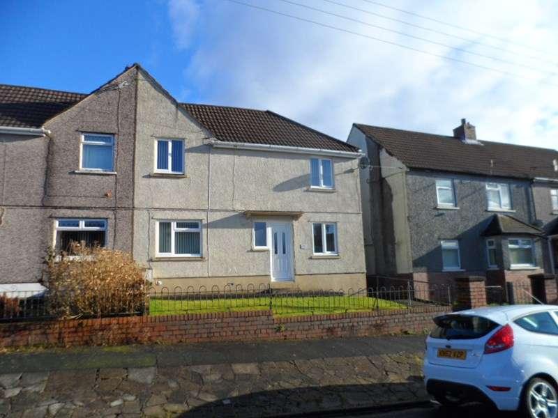 3 Bedrooms Property for sale in Lluest, Ystradgynlais, Swansea