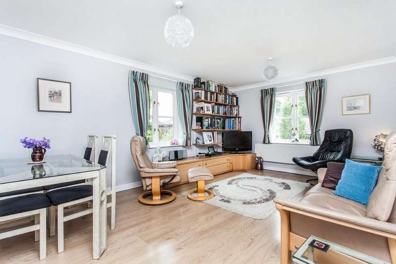 2 Bedrooms Apartment Flat for sale in Grange Close, St. Cross, Winchester, SO23