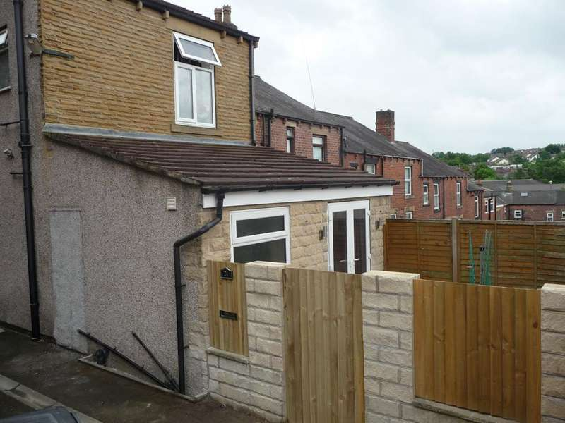 2 Bedrooms Terraced House for sale in Princess Street Batley WF17 5LF