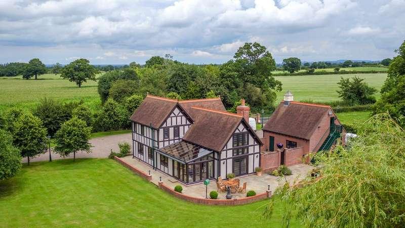 4 Bedrooms Detached House for sale in Horseman's Green