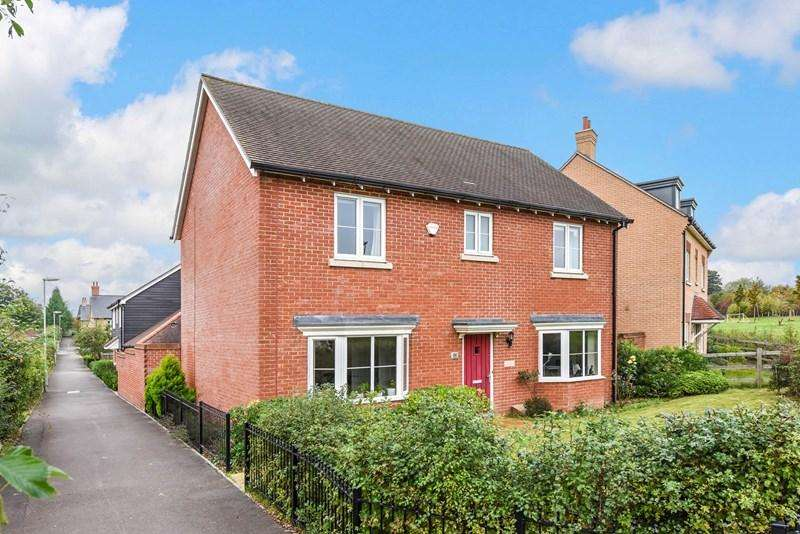 4 Bedrooms Detached House for sale in Boulter Road, Andover