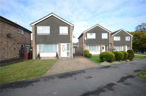 3 Bedrooms Detached House for sale in Dee Road, Tilehurst, Reading