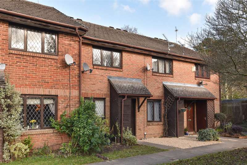 2 Bedrooms Terraced House for sale in Sweet Briar, Heathlake Park, Crowthorne