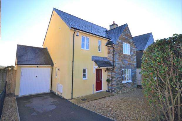 4 Bedrooms Detached House for sale in Boconnoc Avenue, Callington, Cornwall